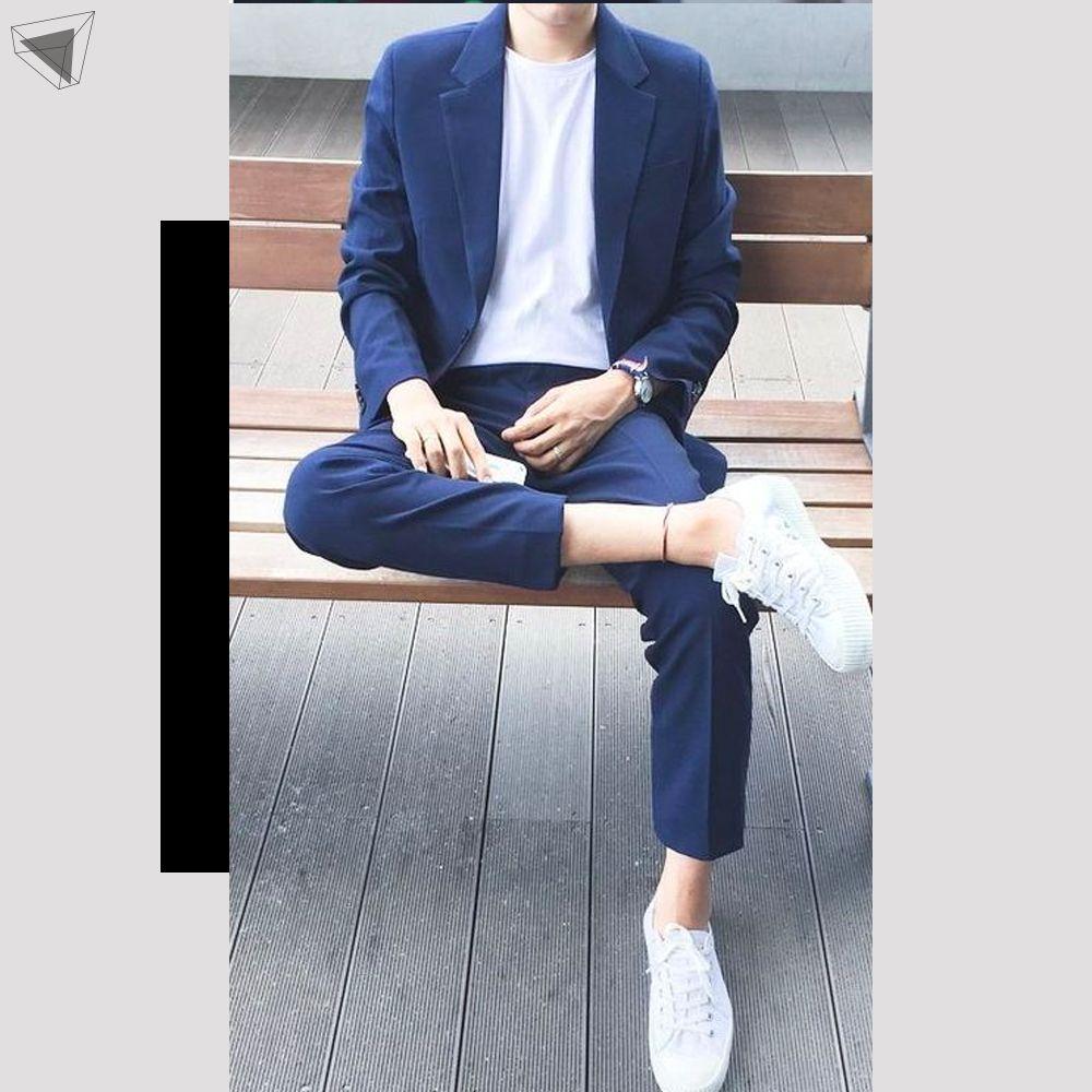 กางเกงชิโนกับเสื้อเบลเซอร์