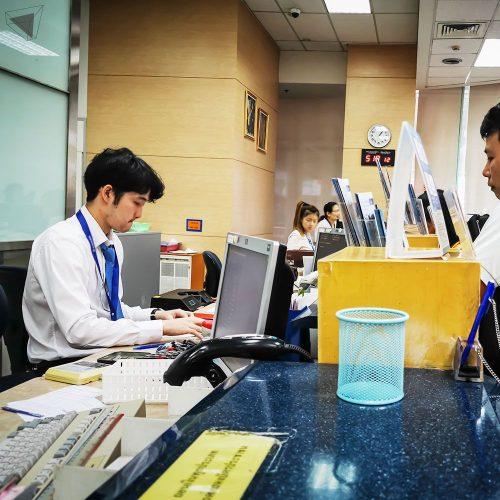 พนักงานธนาคาร ได้รับผลกระทบจาก DigitalDisruption